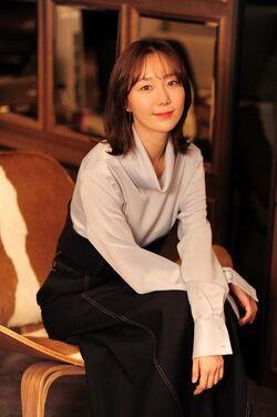 Lee Yoo Young (1989)12