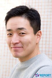 Lee Byung Hoon (1980)