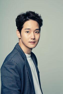 Kang Sung17