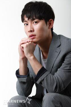 Kwon Hwa Woon4
