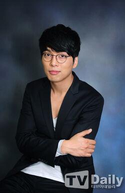 Yoon Hee Suk18