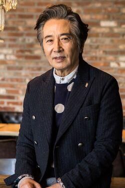 Baek Yoon Shik2