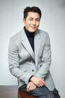 Jung Woo Sung33