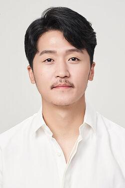 Shim Yoon Bo2