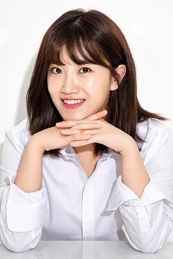 Son Su Min-04