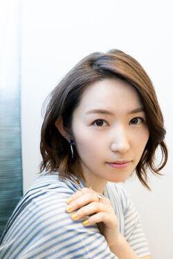 Tokunaga Eri 9