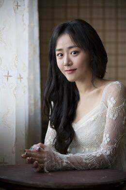 Moon Geun Young33