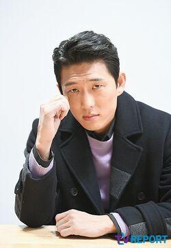 Go Joon12