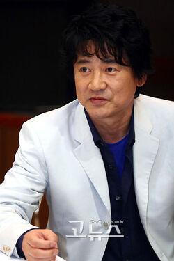 Lee Young Ha001