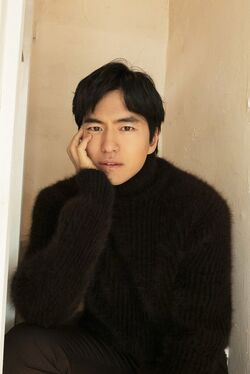Lee Jin Wook42