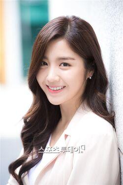 Seo Yi Ahn16