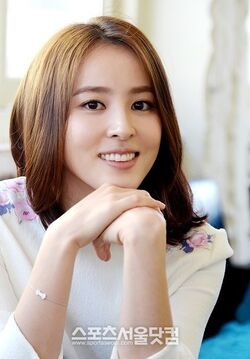 Han Hye Jin41