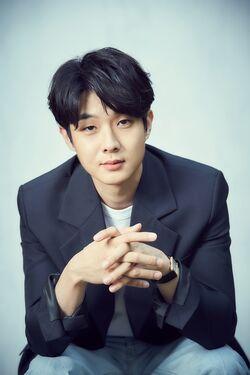 Choi Woo Shik47