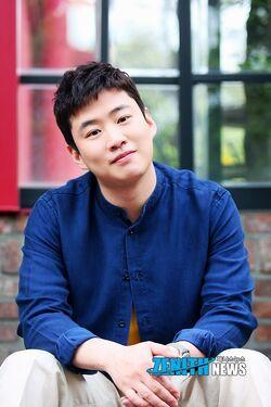 Ahn Jae Hong11