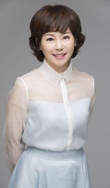 Ahn Yeo Jin004