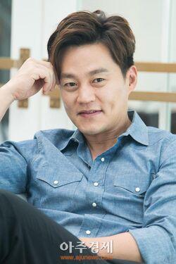 Lee Seo Jin12