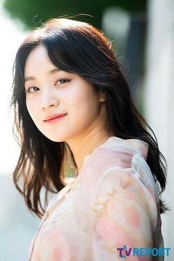 Jung Yoo Min22