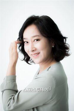 Park Hyun Sook001