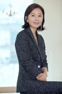 Kim Hee Ae23