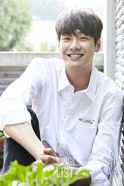 Kim Young Kwang42