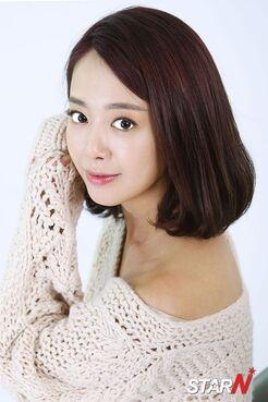 Shin Ji Soo18