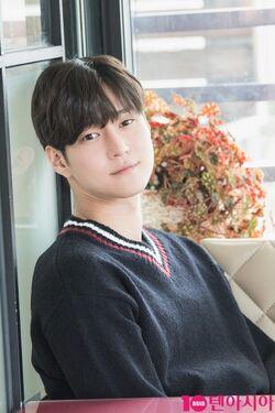 Go Kyung Pyo32