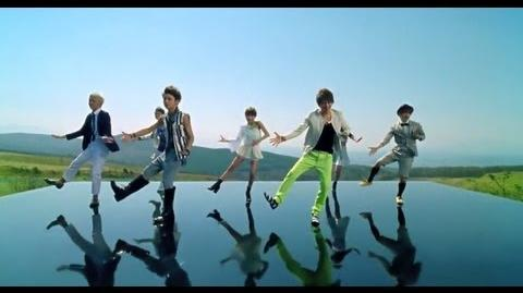 AAA 「Love Is In The Air」Music Video-0