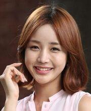 YoonJinYi 180px