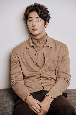Yoon Shi Yoon30