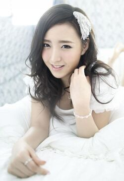 338px-Kim ye seul lottle girls 473951