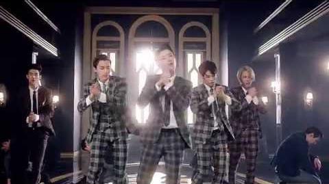 MV UNIQ 'Falling In Love'