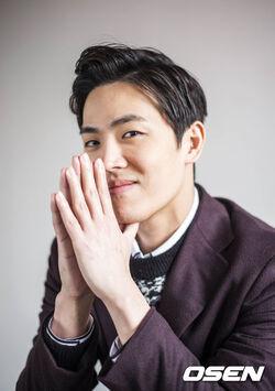 Lee Dong Ha13