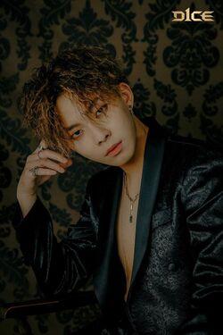 Woo Jin Young02