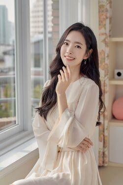 Jin Se Yun70