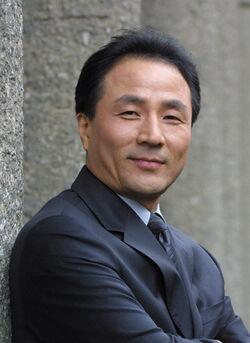 Kim Myung Gon000