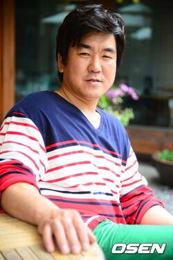 Yoon Je Moon26