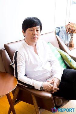 Choi Duk Moon7