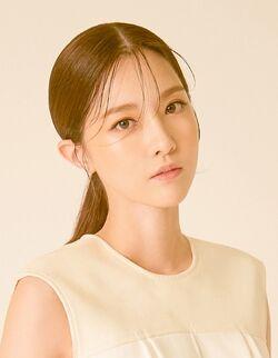 Kim Yoo Ri (1984)28