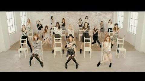 E-girls クルクル (Music Video)-2