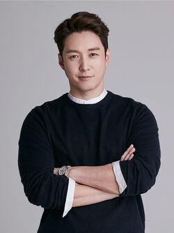 Shim Hyung Tak21