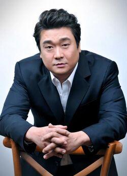 Kim Hee Chang1