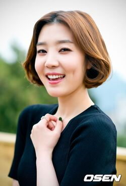 Shin Da Eun31