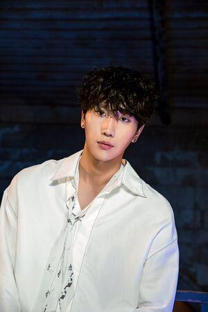HyunSeok 03