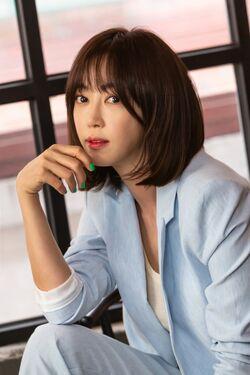 Kang Ye Won55