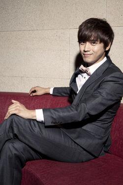 Shin Yong Chul3