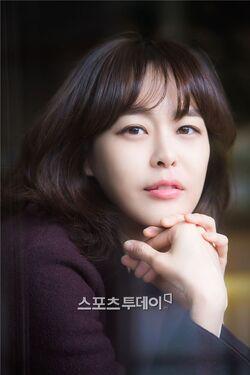 Lee Ha Na23