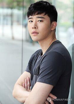 Kim Kwon29