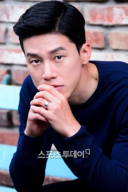 Kim Moo Yul24
