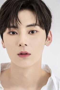 Min Hyun 18