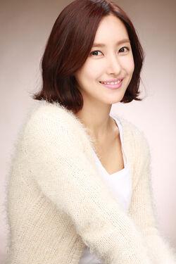 Kim Yoon Seo13